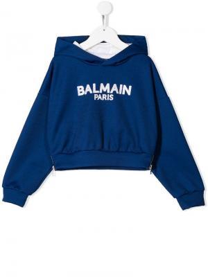 Толстовка с капюшоном и логотипом Balmain Kids. Цвет: синий
