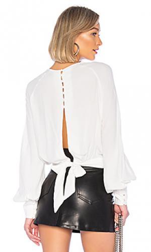 Блузка Bardot. Цвет: белый