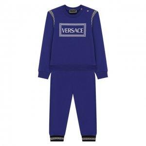 Комплект из свитшота и брюк Versace. Цвет: синий