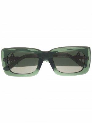 Солнцезащитные очки в прозрачной квадратной оправе The Attico. Цвет: зеленый