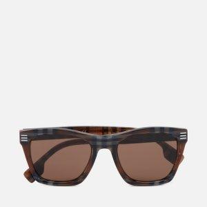 Солнцезащитные очки Cooper Burberry. Цвет: коричневый
