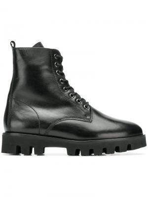 Ботинки на шнуровке Hogl. Цвет: черный