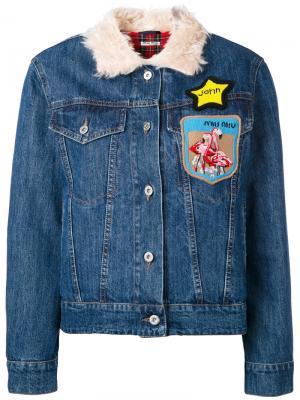 Джинсовая куртка с нашивками Miu. Цвет: синий