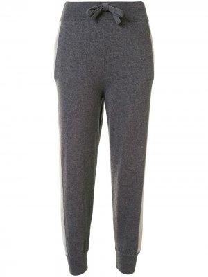 Спортивные брюки с контрастными лампасами Colombo. Цвет: серый