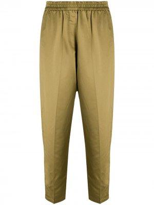 Зауженные брюки с эластичным поясом 8pm. Цвет: зеленый