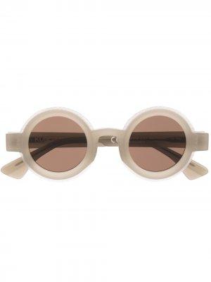 Солнцезащитные очки Kuboraum. Цвет: серый