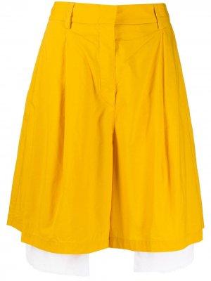 Многослойные шорты по колено Maison Flaneur. Цвет: желтый
