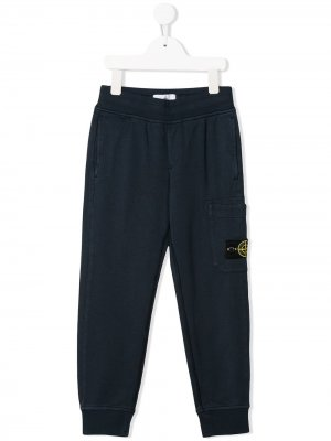 Спортивные брюки прямого кроя с нашивкой-логотипом Stone Island Junior. Цвет: синий
