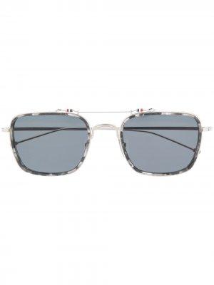 Солнцезащитные очки в прямоугольной оправе Thom Browne Eyewear. Цвет: серебристый