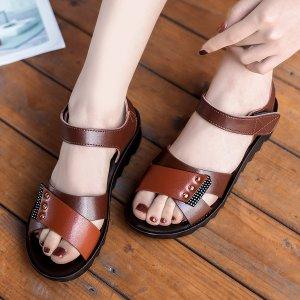 Спортивные сандалии с заклепками на липучке SHEIN. Цвет: коричневые