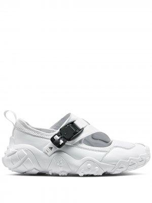 Сандалии AH-0003 XTA из коллаборации с Hyke adidas. Цвет: белый