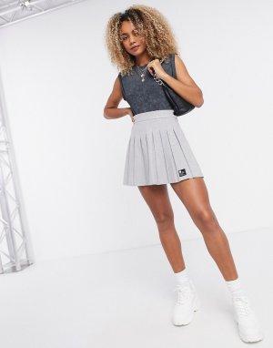 Серая плиссированная теннисная мини-юбка -Серый Bershka