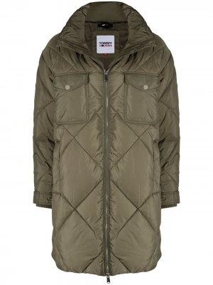 Стеганое пальто оверсайз Tommy Hilfiger. Цвет: зеленый