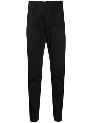 Зауженные брюки строгого кроя Arc'teryx Veilance. Цвет: черный