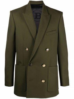 Двубортный пиджак с заостренными лацканами Balmain. Цвет: зеленый