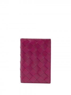 Обложка для паспорта с плетением Intrecciato Bottega Veneta. Цвет: фиолетовый