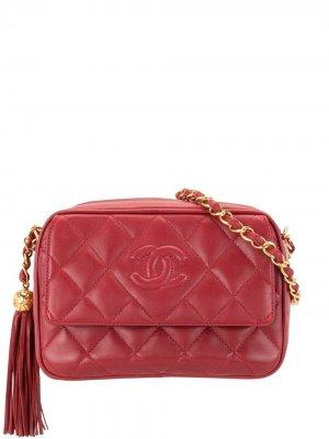 Стеганая сумка на плечо 1995-го года с логотипом CC Chanel Pre-Owned. Цвет: красный