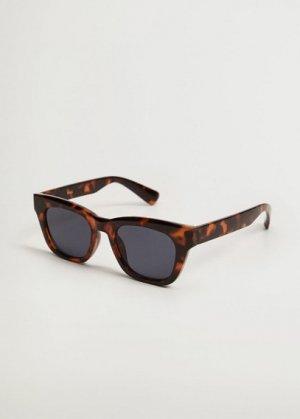 Солнцезащитные очки в пластиковой оправе - Blanca Mango. Цвет: шоколадный