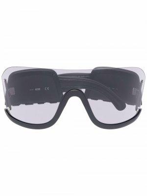Массивные солнцезащитные очки Gcds. Цвет: черный