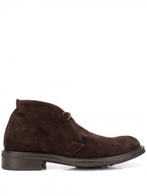 Ботинки дезерты Stevean Scarosso. Цвет: коричневый