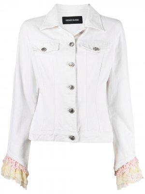 Джинсовая куртка 1990-х годов с оборками Versace Pre-Owned. Цвет: белый