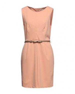 Короткое платье DARLING London. Цвет: лососево-розовый