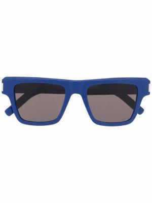 Солнцезащитные очки в массивной оправе Saint Laurent Eyewear. Цвет: синий