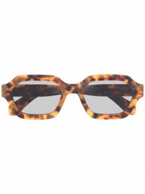 Солнцезащитные очки Pooch Retrosuperfuture. Цвет: коричневый