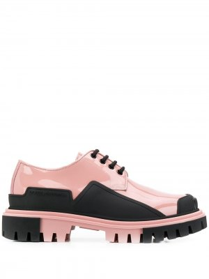 Лакированные дерби Dolce & Gabbana. Цвет: розовый