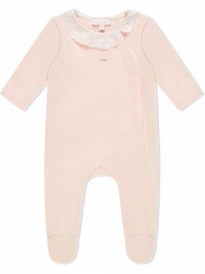 Комплект из пижамы и двух нагрудников Chloé Kids. Цвет: розовый