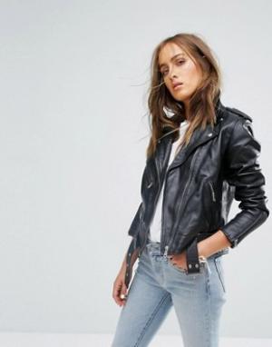 Кожаная байкерская куртка Levis. Цвет: черный