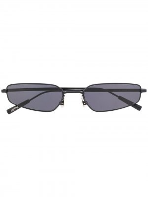 Солнцезащитные очки в геометричной оправе AMBUSH. Цвет: черный